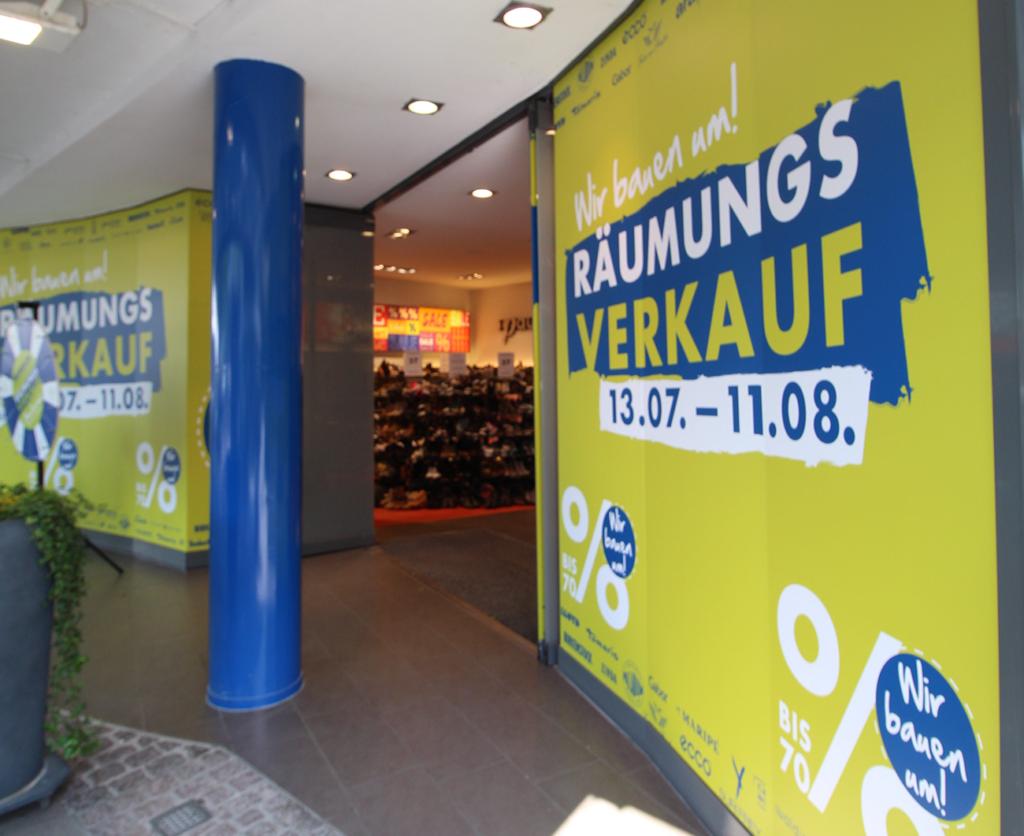 Räumungsverkauf Umbau Kiel Schuhgeschäft Schaufensterfolierung Gestaltung